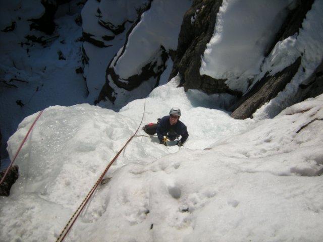 Cor en glace fondante dans la première longueur de Lillaz à Cogne