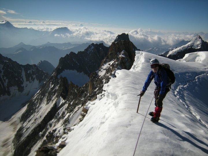 Au sommet de l'aiguille d'Argentière, massif du Mont-Blanc